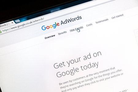Google Adwords site Web sur un écran d'ordinateur. Google AdWords est un service de publicité en ligne.