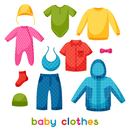 niños de compras: Ropa de bebé. Conjunto de artículos de ropa para recién nacidos y niños.