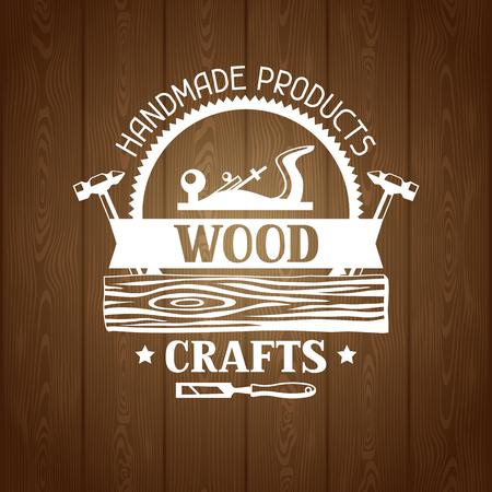 Etykieta rzemieślnicza z drewna z logiem i łączeniem. Godło dla przemysłu drzewnego i leśnego.