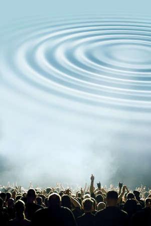 Basse-vagues symboliques et de la foule de concert ou de la partie Banque d'images - 8011107