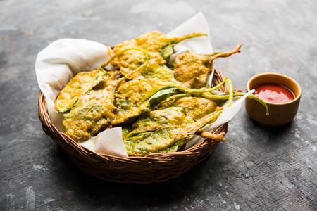 Crispy Palak/spinach Leaves pakoda or pakoda Stock Photo