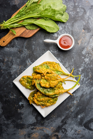 Crispy Palakspinach Leaves pakoda or pakoda