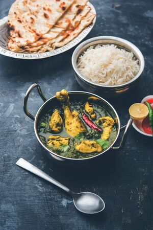 Palak/spinach chicken or Murg Saagwala with naan and rice