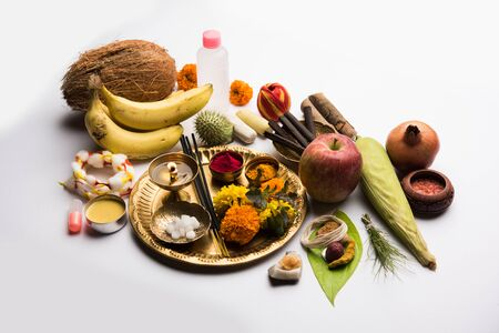 Pooja Material / Puja Sahitya in Hindu Religion from India, arranged in a group. selective focus 免版税图像