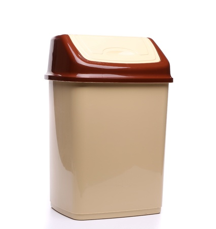 full face: plastic trash can close full face