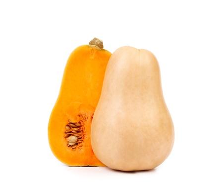Butternut zucca e fetta su sfondo bianco.