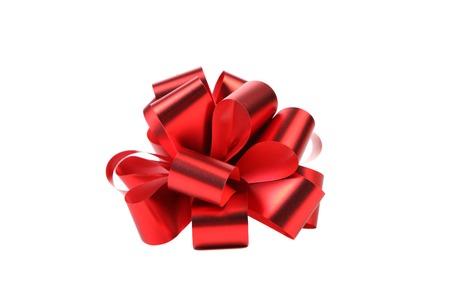 Grande fiocco rosso. Isolato su uno sfondo bianco