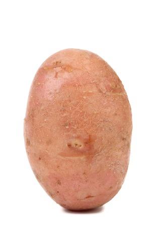 新鮮なジャガイモのクローズ アップ。白い背景で隔離されました。