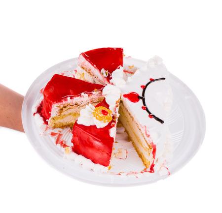 to cake layer: Ribes rosso Torta a strati in primo piano sul bianco