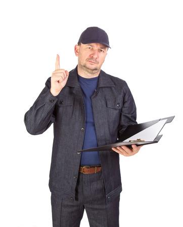 poner atencion: Trabajador con la carpeta. Prestar atenci�n. Aislado en un fondo blanco.