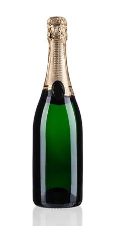 Groene fles champagne met bladgoud. Geïsoleerd op witte achtergrond Stockfoto