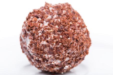 ciruela pasa: el caramelo delicioso con ciruela y chocolate. Macro. Foto se puede utilizar como un todo fondo.