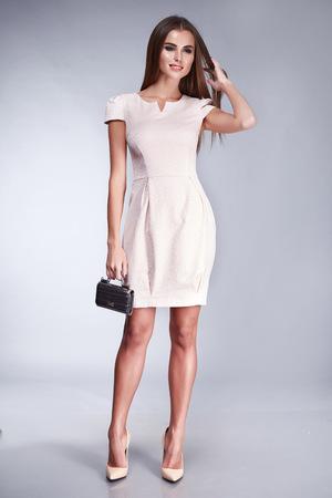 837f749bd1f8  52797807 - Elegante estilo de moda elegante dama joven y bella mujer sexy  vestido
