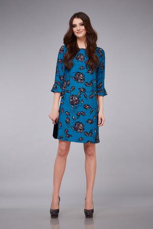 e2412da1f78c  56716929 - Elegante estilo hermoso joven mujer atractiva elegante moda de  maquillaje vestido y el cabello para el vestido de diseñador reunión de  negocios ...