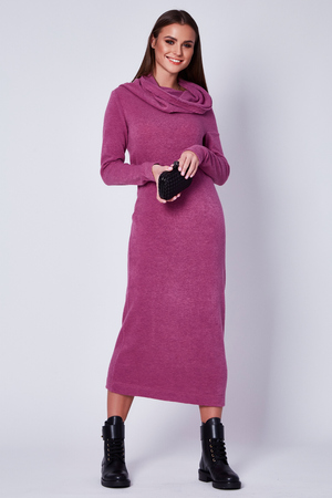 Stilvolles elegantes modernes langes Kleid der schönen jungen sexy Frauendame, Make-up und Frisur für das Abendgeschäftssitzungs-Walkdatums-Designerkleid mit Zubehör- und Schmuckschwarzstiefeln halten Tasche. Standard-Bild - 89499819
