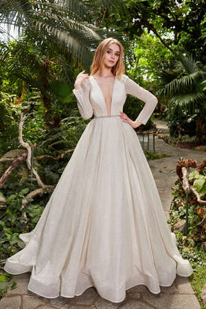Beautiful woman bride fashion model blond hair bright makeup pretty wear long silk white dress with lace bridal ceremony wedding espousal in blooming romance garden party marriage happy big day. 版權商用圖片 - 159922725