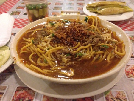 Boiled La Mien From Aceh, Indonesia, very spicy and delicious, served with meat, chicken or seafood