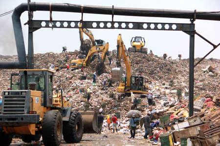 dumpster: Bantar Gebang dumpster, Jakarta, Indonesia