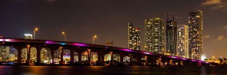 View to Miami city USA at night Banque d'images