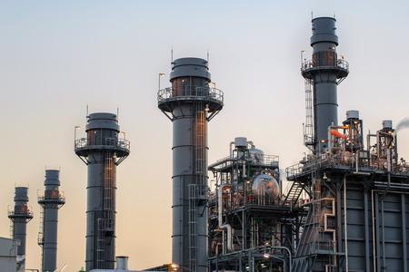 푸른 시간과 황혼 가스 터빈 발전소. 스톡 콘텐츠