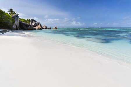 la digue: Perfect white beach Anse Source DArgent in La Digue, Seychelles