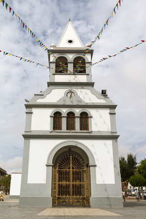 フェルテベントゥラ島 - 9 月 25 日: イグレシア ヌエストラ セニョーラ デル ロザリオ 2015 年 9 月 25 日、フェルテベントゥラ島、スペインでプエルト ・ デル ・ ロザリオ 写真素材 - 76905224