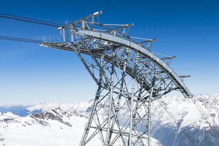 alpen: Cable Car pillar of the Gaislachkogelbahn in the winter mountains of the Oetztal, Austria.