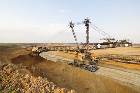 A lignite surface mine with a giant bucket-wheel excavator, one of the worlds largest moving land vehicles. Imagens