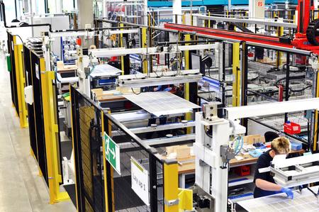 Hightech Produktionsanlage Solarmodule  factory of solar panels