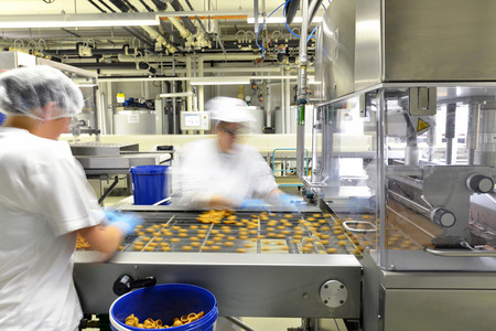 Production of pralines in a factory for the food industry Reklamní fotografie