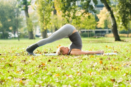 Yoga-Halasana Aratro posa