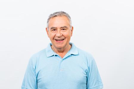 幸せな年配の男性の肖像画。