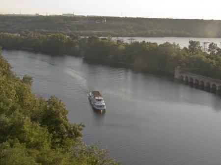 dnepr: Against the background of Zaporizhzhya Sich floats n Dnepr steamer sails