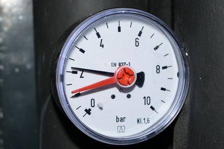 Luftdruck Standard-Bild - 50532327