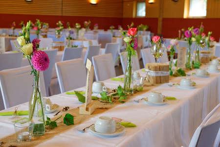 decoracion mesas: Beautiful decoration on wedding tables Foto de archivo