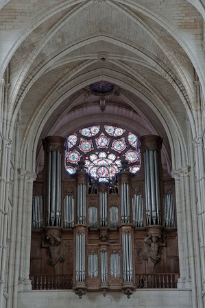 ogan of laon cathedral, town in picardy in france