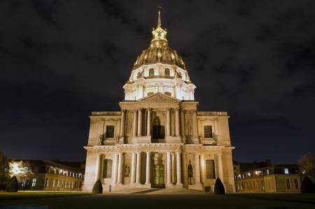 les invalides,by  night at paris, napoleon  tomb, France