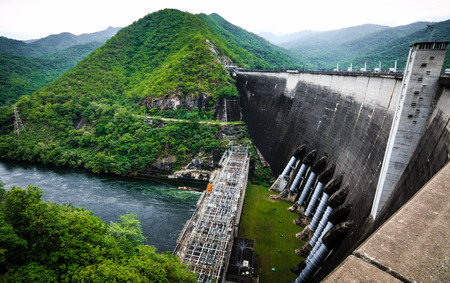 hydro power: Bhumibol hydro power plant, The Bhumibol Dam is a concrete arch dam on the Ping River, Tak Province, The Bhumibol Dam is the biggest dam in Thailand. Stock Photo