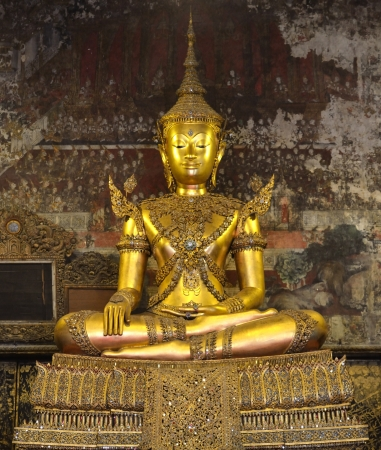 Principal Buddha at Wat Nangnong Worawiharn, Bangkok Thailand Stock Photo - 16522297