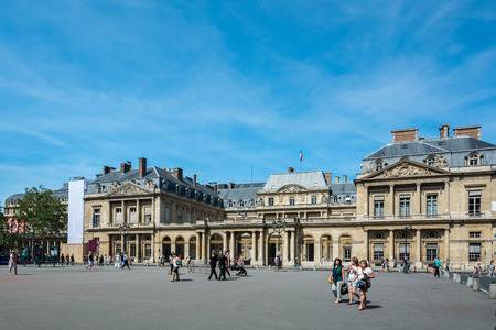 citytrip: Paris, France - August 13, 2016: Established in 1799 by Napoleon Bonaparte as a successor to the Kings Council, The Conseil dEtat is located in the Palais-Royal and is primarily made up of top-level legal officers. Editorial
