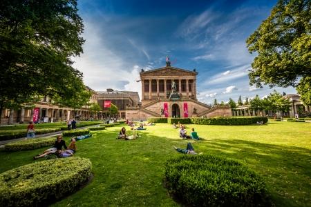 dom: Un parc sur l'île aux musées dans le centre de Berlin, Allemagne Park sur l'île aux musées dans le centre de Berlin, Allemagne Park sur l'île aux musées dans le centre de Berlin, Allemagne