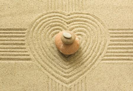 piedras zen: Coraz�n Zen Foto de archivo