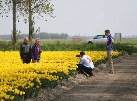Seniors are making a daytrip to the tulip fields