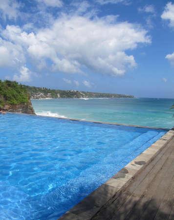 destress: Swimming pool along the ocean