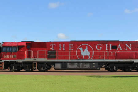operates: Il treno Ghan opera tra Darwin, Alice Springs e Adelaide in Australia