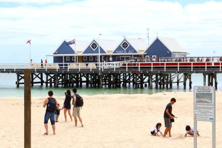 busselton: Busselton, Western Australia, in December 2015 Families and children are having fun at the white sandy beach near the Busselton Jetty Editorial