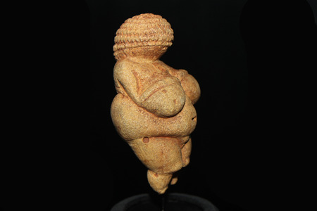 mammary: Prehistoric figurine in the Museum of Natural History in Vienna