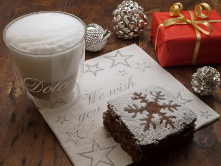 brownie: Christmas coffee break with chocolate brownie and christmas gift