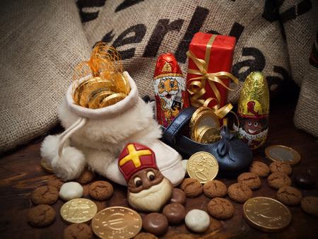 Pakjesavond, Sinterklaas