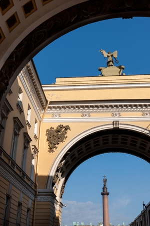 Alexander Column viewed through the Triumphal Arch of General Staff Building, Winter Palace, State Hermitage Museum, Palace Square, St. Petersburg, Russia